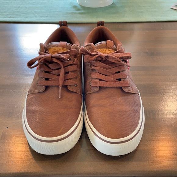 Levi's lace up shoes